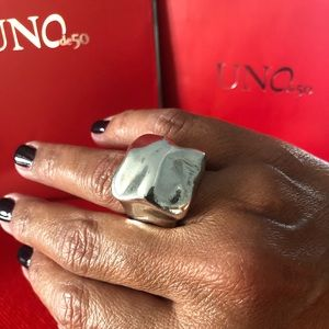 Gorgeous UNO de 50 Ring brand new with Tag